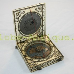 Ivory-Magnetic- azimuth-bloud-dial