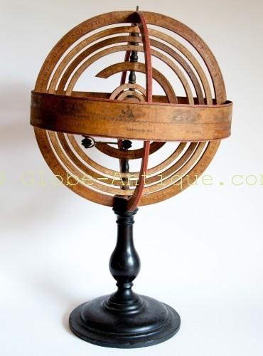 ancienne sphère armillaire delamarche