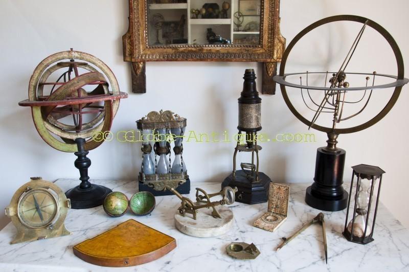 antique scientific instruments Le Saint Georges