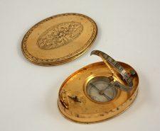 cadran solaire ovale portatif ancien